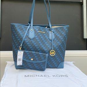 Michael Kors Eva Admiral tote faux leather bag.